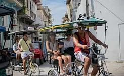 CUBA_JulieJustinBike