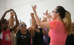 CUBA_Miramar_Singing_2