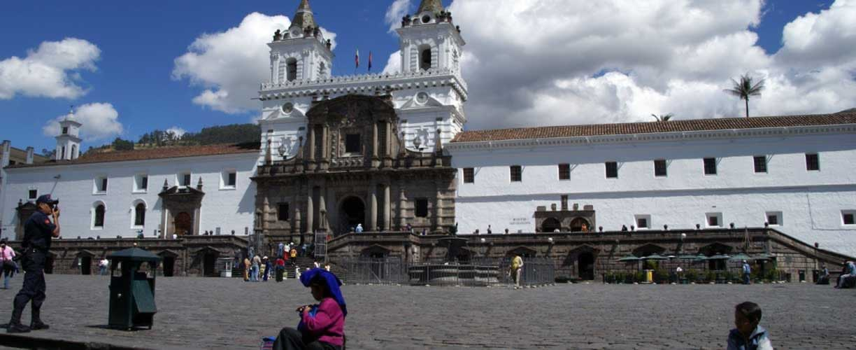 Volunteer Vacations in Ecuador with Globe Aware